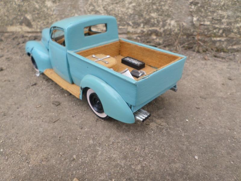 1939 - 40 Ford  Sedan - amt - trophy series 3 in 1 - 1/25 scale Sam_2656