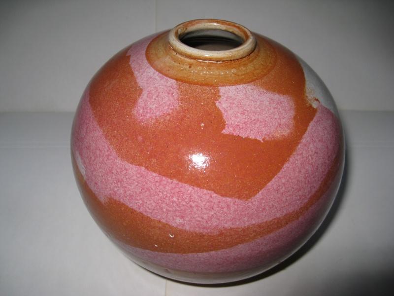 ID Request: Bright studio vase painted signature - Portugal Img_2114