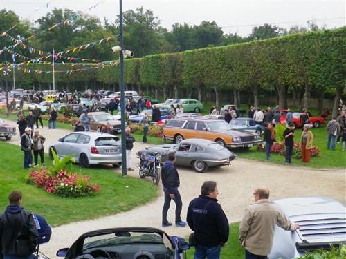 8e Festival de voitures anciennes à Dourdan, le 4 octobre 2015 D1015_15