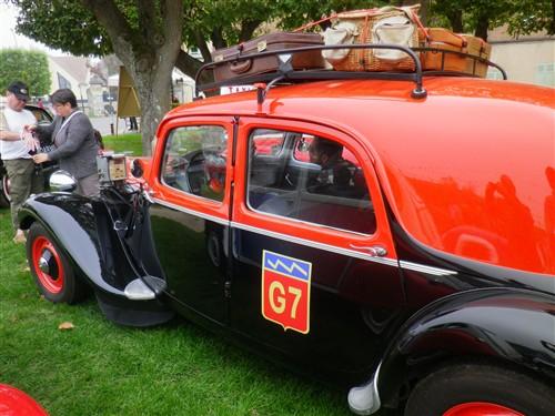 8e Festival de voitures anciennes à Dourdan, le 4 octobre 2015 D1015_35