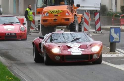 La FORD GT 40  Ta13_011