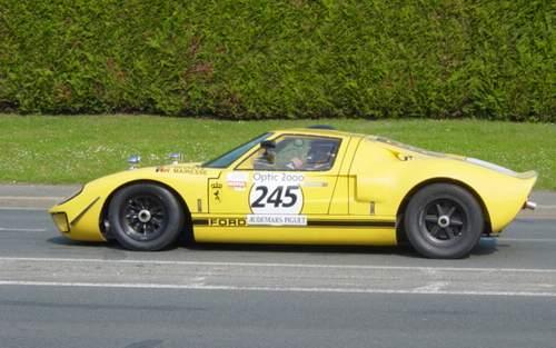 La FORD GT 40  Tour0912