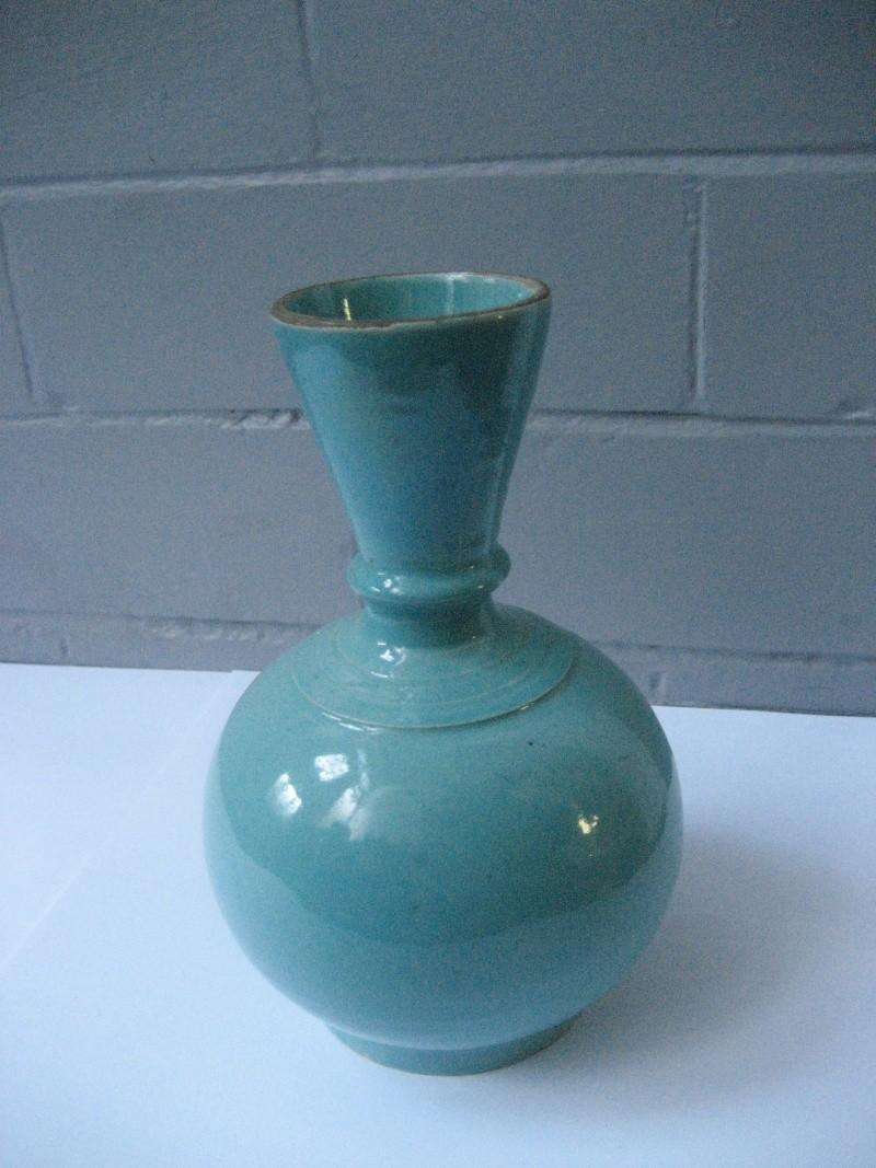 Turquoise glaze fluted ribbed neck vase. No mark. Japanese? Img_1023