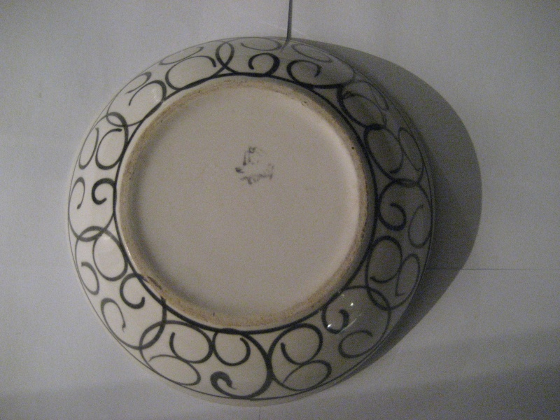 Vintage Italian Dish Abstract Design. Spider Mark On Base Please Be Fantoni Img_1220