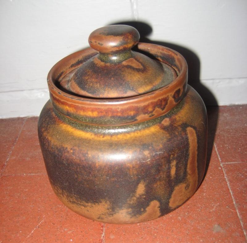 Lidded Pot Marked 'Republic Of Ireland' & 'KK'  - Kilkenny Design Img_1232