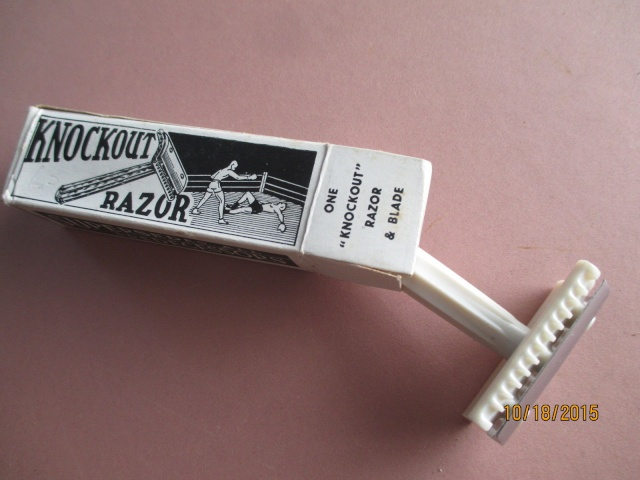 Shave Oddity : le fil du rasoir bizarre :D - Page 2 Knocko10
