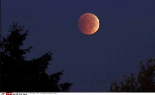 Super Lune de Sang de la nuit du 28/09/2015 - Page 5 Lune10