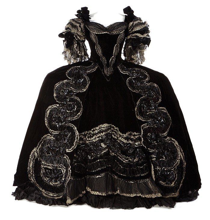 On auction : Norma Shearer Marie Antoinette screen-worn dress H3257-10