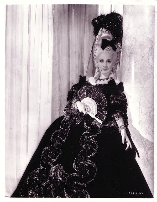 On auction : Norma Shearer Marie Antoinette screen-worn dress H3257-11