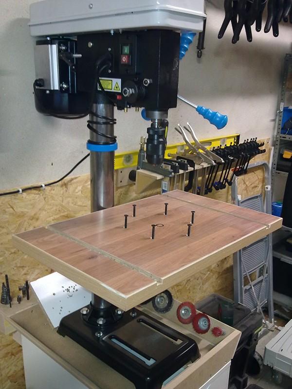 Une nouvelle table pour perceuse à colonne 01102010