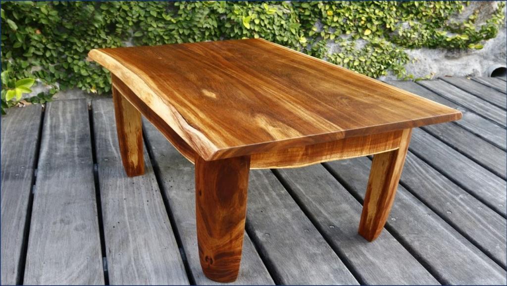 Une petite table basse en tamarin Captur22