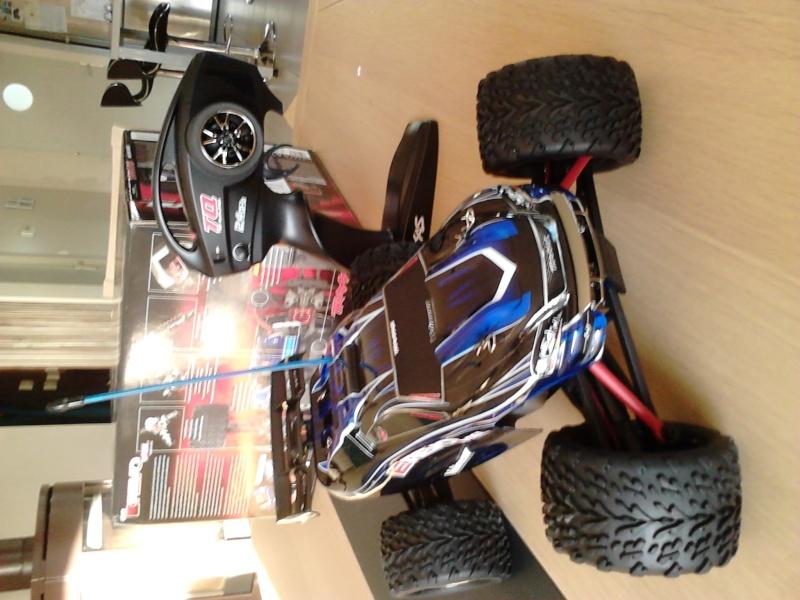 E-Revo VXL rider39260  Dsc_0523