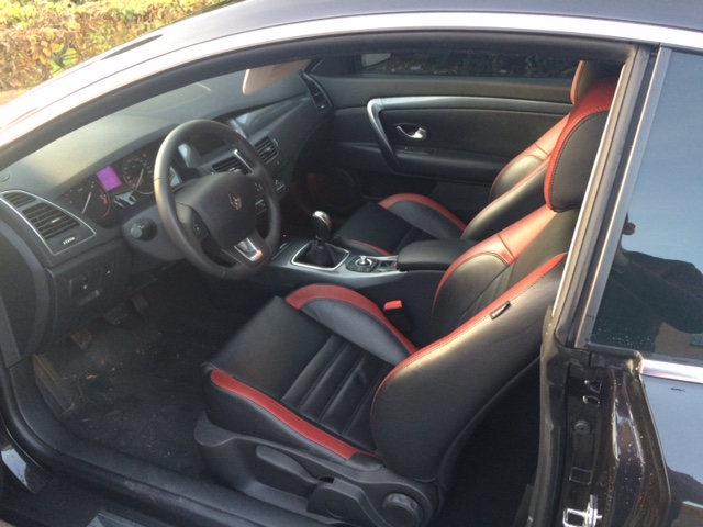 [bose2407] Laguna III.1 coupé Black édition 2.0 dci 150 Img_0512