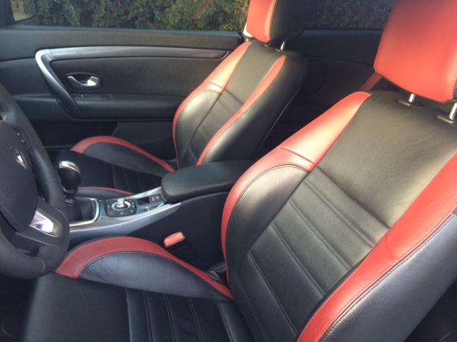 [bose2407] Laguna III.1 coupé Black édition 2.0 dci 150 Img_0513