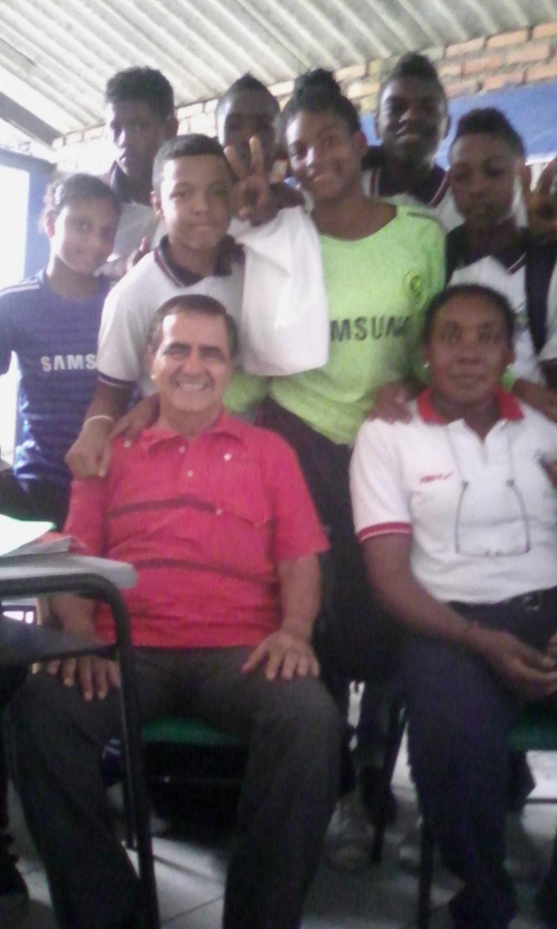 APORTES POR EL ESCRITOR TUMAQUEÑO EN LA INSTITUCIÓN CIUDADELA EDUCATIVA TUMAC Img_2017