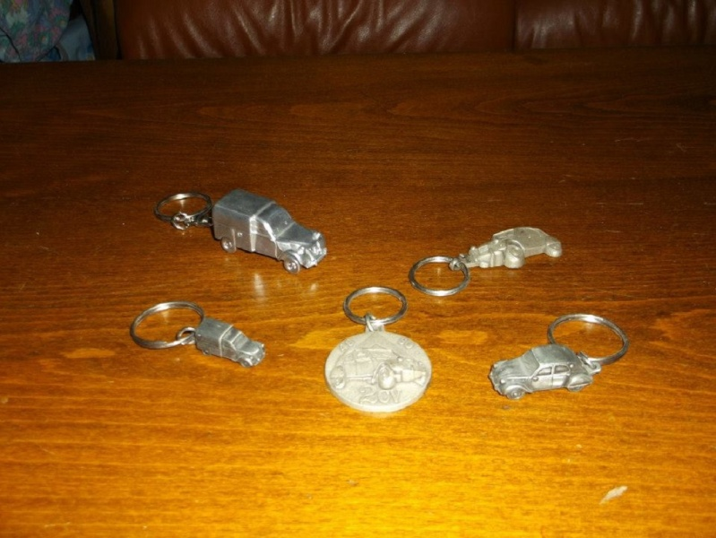 Ma collection d'objets CITROEN et d'objets à l'effigie de la 2 CV !!! 16013110
