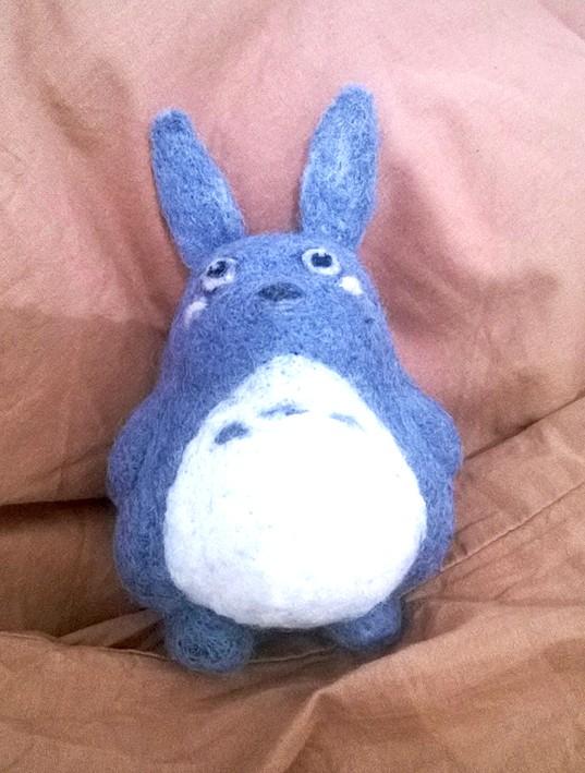 La laine cardée/feutrée - Page 5 Totoro11