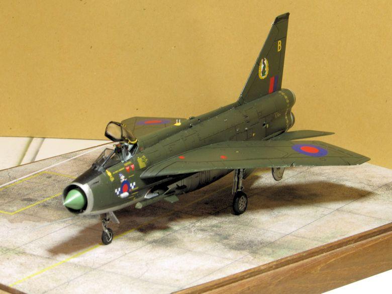 Airfix 1/72 Lightning F2A Img_0417