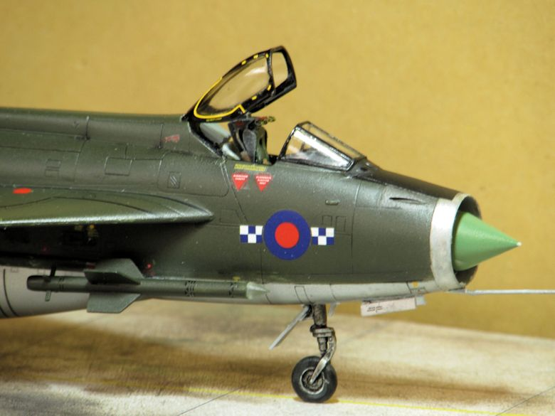Airfix 1/72 Lightning F2A Img_0419
