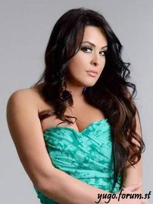 Amra Halebic Amra-h10