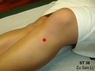 Zu San Li : Voici ce qui se passe quand vous massez ce point sur votre jambe Su-zan10