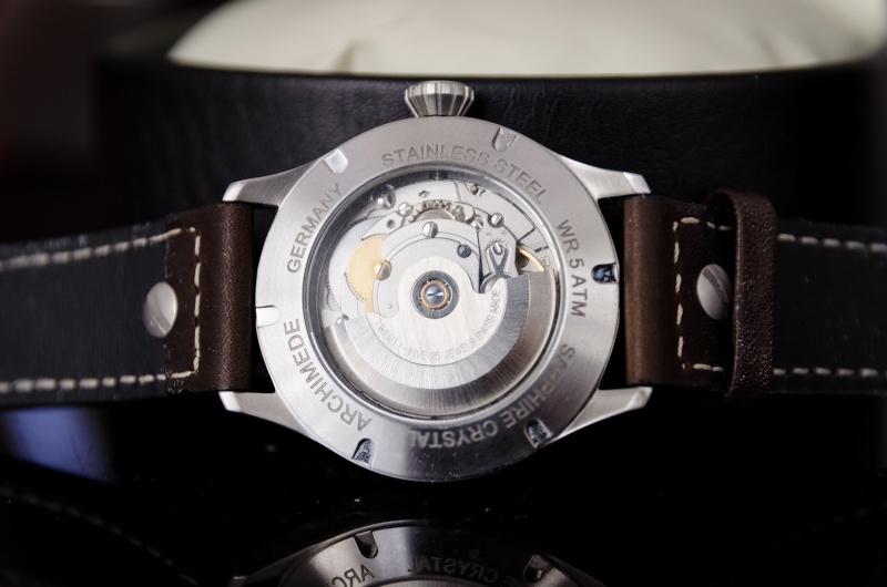 Première montre pour 30 ans < 1000 euros (Archimede ?) Dsc_7210