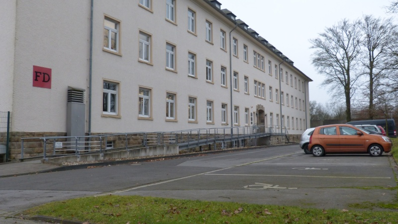Looking for old school & barracks P1020912