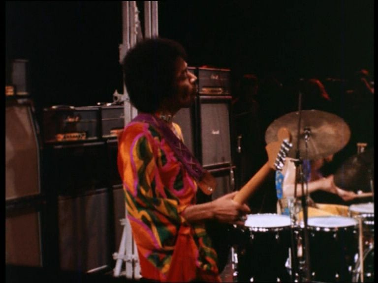 Blue Wild Angel: Jimi Hendrix Live At The Isle Of Wight (2002) - Page 3 Vlcsna11