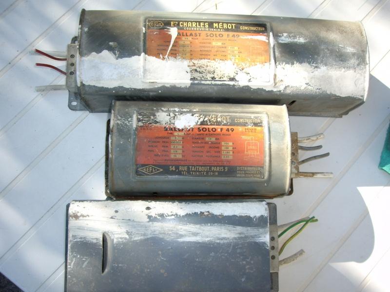 Tubes fluo anciens contenant du mercure Imgp2613