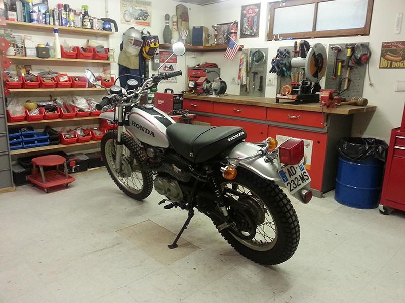 Un p'tit nouveau sur une 250 XL Motosport Atelie11