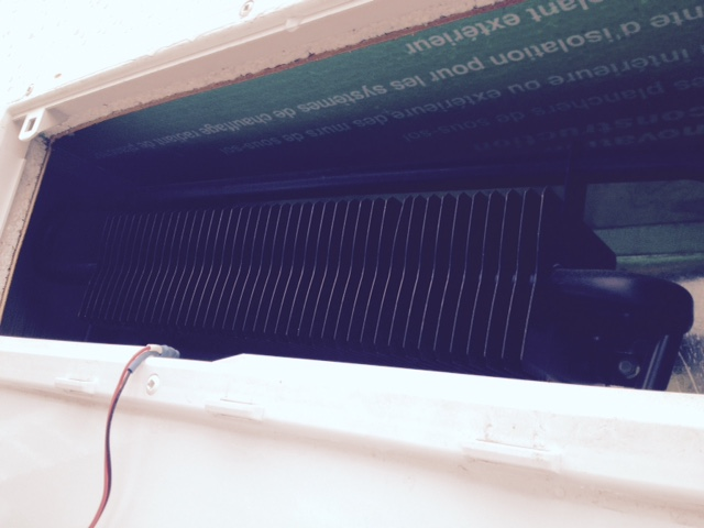 Garde Manger trop chaude au dessus du frigo max 21 Frigof15