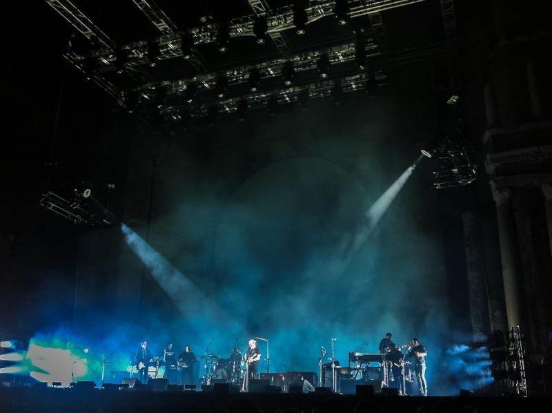 [SPOILER] Les PHOTOS et VIDEOS du concert d'Orange ! - Page 9 Gilm-011