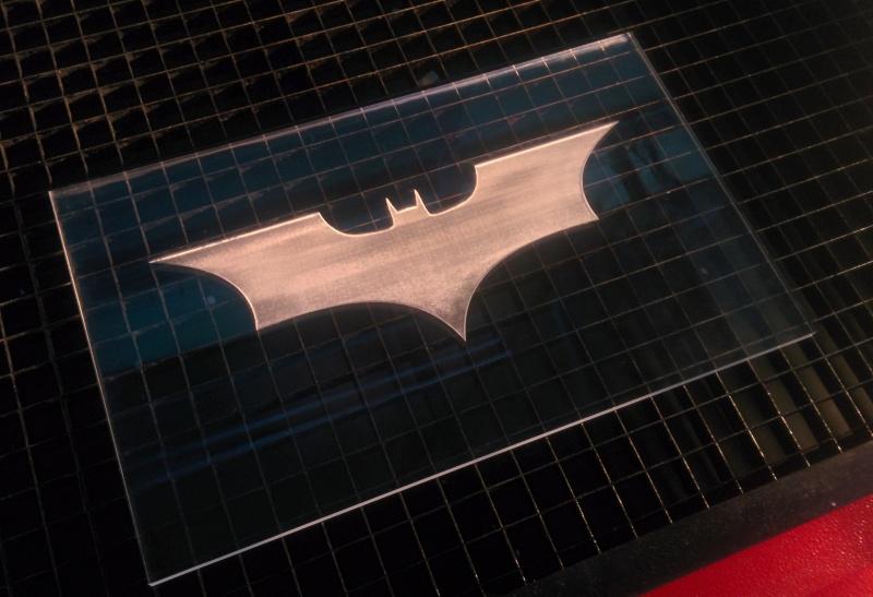 Sous-traitance de découpe et gravure laser pour toutes vos réparations ! Img_2010