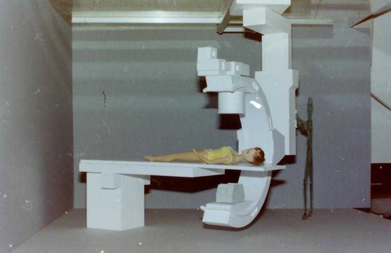 Röntgenuntersuchungsgerät (C-Bogen), Eigenkonstruktion, Maßstab 1:5 C-boge11