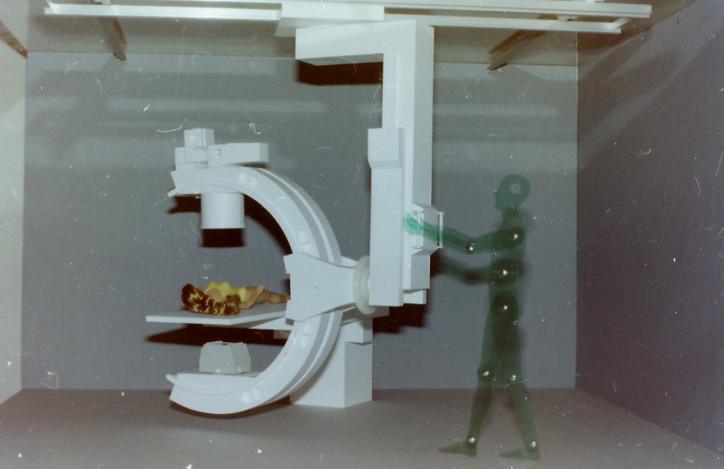 Röntgenuntersuchungsgerät (C-Bogen), Eigenkonstruktion, Maßstab 1:5 C-boge12