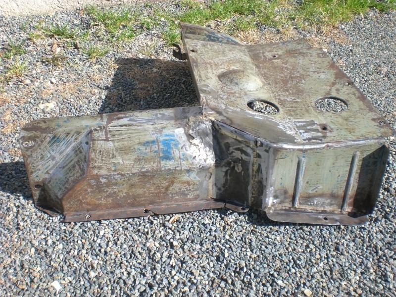 Pieces de cabine pour la restauration  de mon 401 Cimg5014