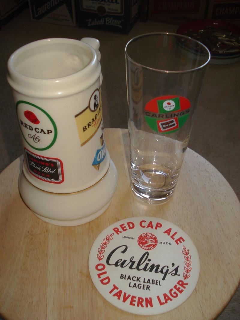 D'autres bouteilles de Red Cap et de Carling 01515