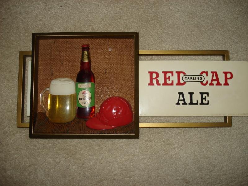 D'autres bouteilles de Red Cap et de Carling 02211