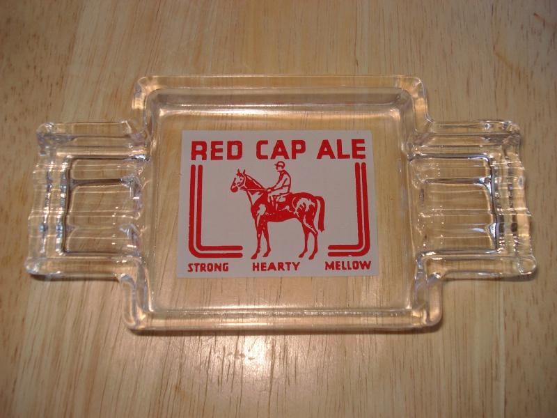 D'autres bouteilles de Red Cap et de Carling 02313