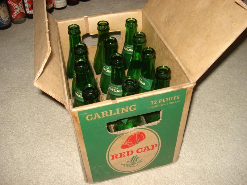 D'autres bouteilles de Red Cap et de Carling 02611