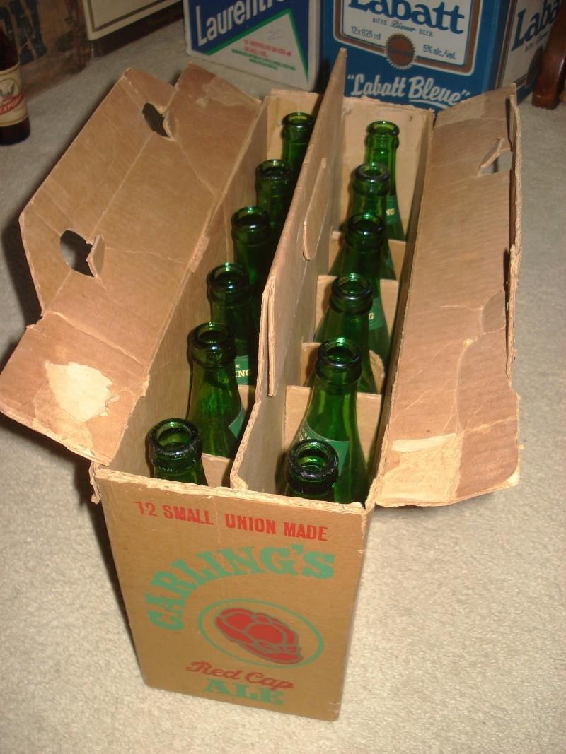D'autres bouteilles de Red Cap et de Carling 02711
