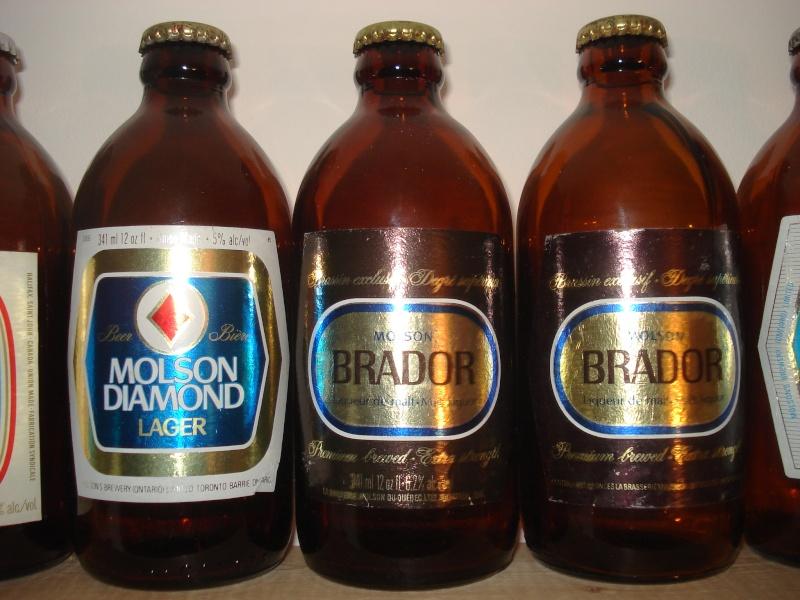 La bière que votre arrière grand-père buvait.  La Molson et autres produits 02813
