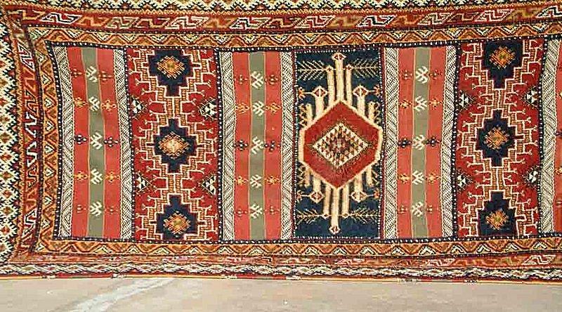 L'oeuvre Artisanale berbere , le tapis de Taznaghte Tapis_10