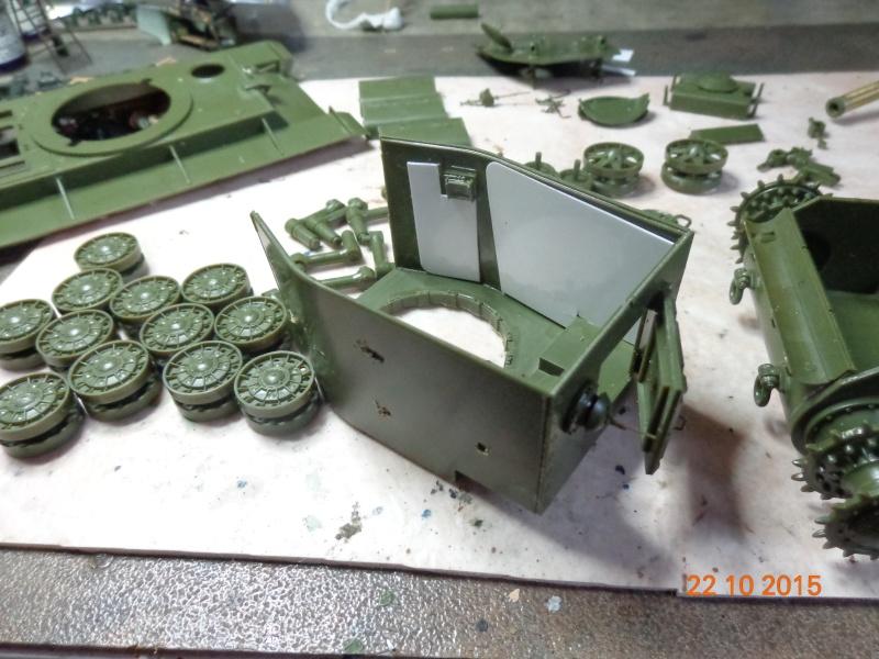 KV-2 soviet heavy tank Dsc01542