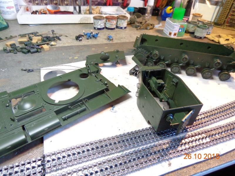 KV-2 soviet heavy tank Dsc01551