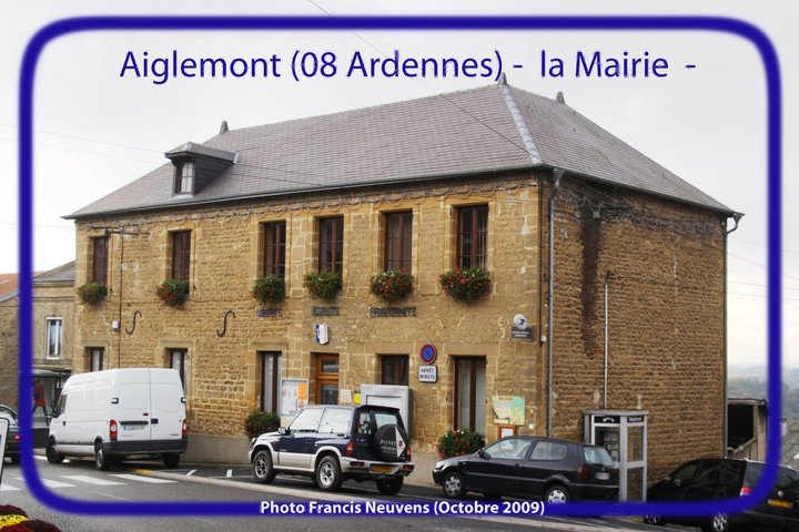 La mairie d'Aiglemont 15632510