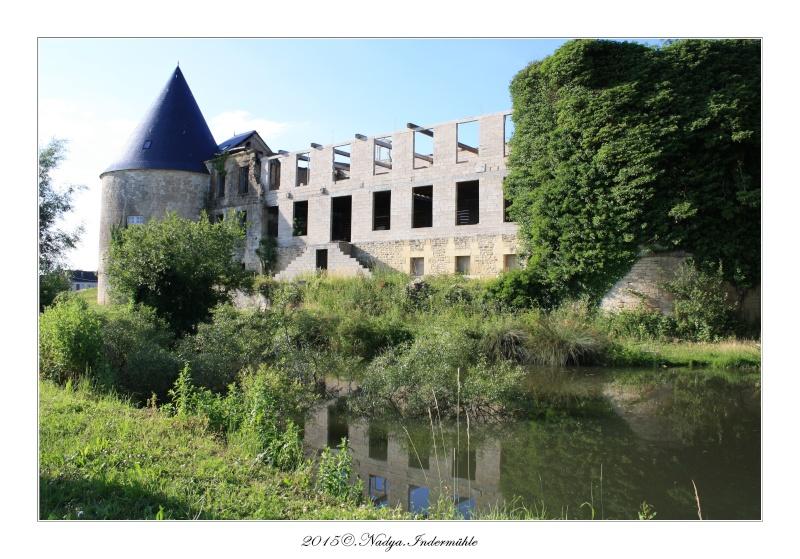 Charbogne, et son château (Ferme fortifiée de Charbogne) Cadre157