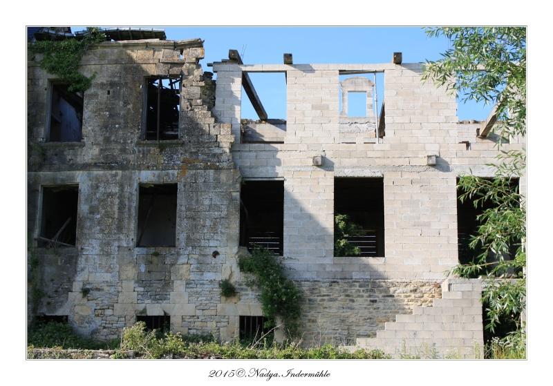 Charbogne, et son château (Ferme fortifiée de Charbogne) Cadre159