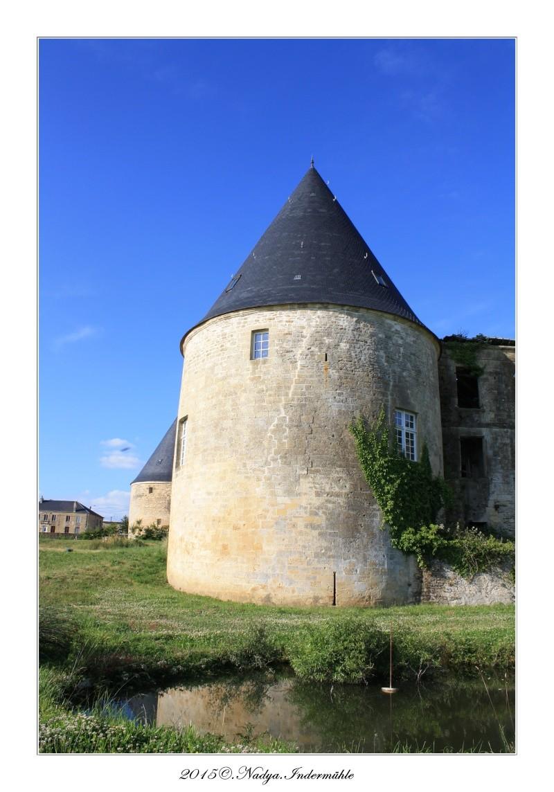 Charbogne, et son château (Ferme fortifiée de Charbogne) Cadre160