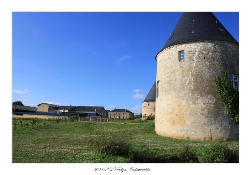 Charbogne, et son château (Ferme fortifiée de Charbogne) Cadre161